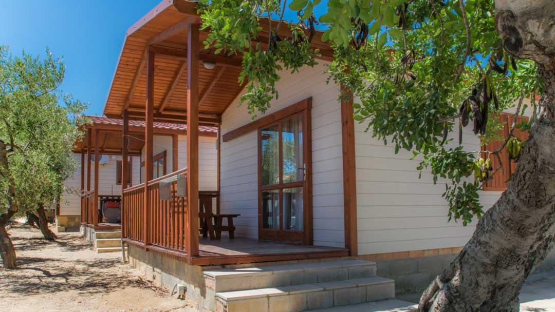 bungalow-galapagos-exterior