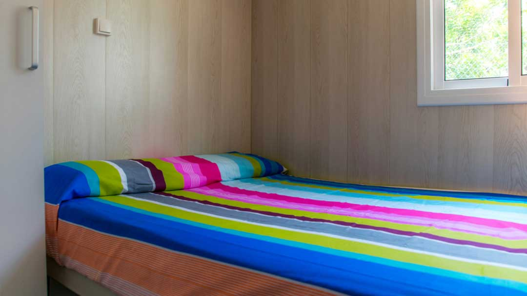 bungalou-colorado-dormitori-matrimoni