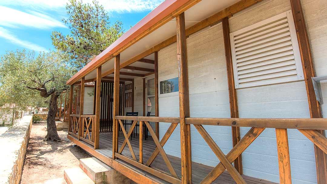 bungalo-bahamas-exterior