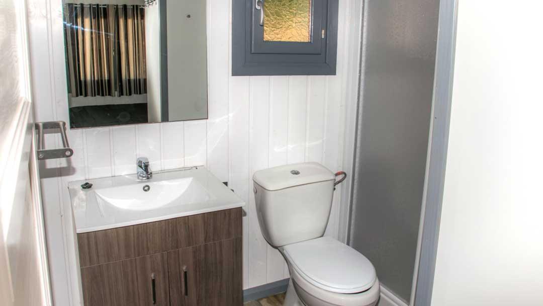 bungalow-galapagos-bathroom