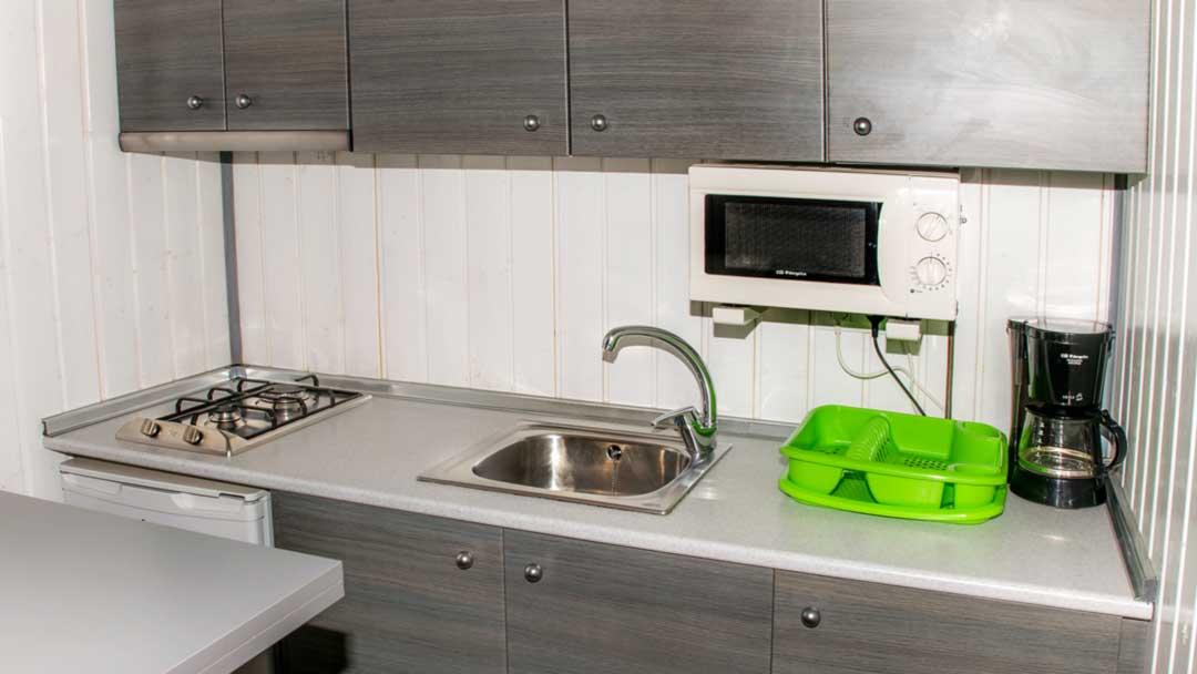 bungalow-galapagos-kitchen