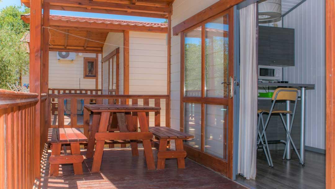 bungalow-galapagos-porch